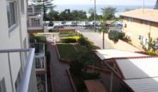 Burleigh Point Holiday Apartments - hotel Gold Coast