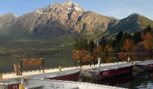 Pyramid Lake Resort - hotel Jasper