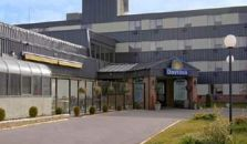 DAYS INN AND CONFERENCE CENTER EDMONTON AIRPORT - hotel Edmonton