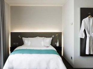 volmerswerther straße düsseldorf hotel