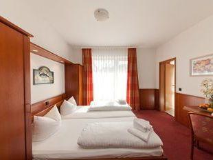 Novum Hotel Hagemann Hamburg Hafen Hotel In Hamburg Cheap Hotel Price