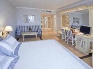 Vp Jardin Metropolitano Hotel In Madrid Madrid Community Cheap