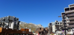 Le Curling B No 11 Hotel in Tignes, Rhone-Alpes, Cheap Hotel