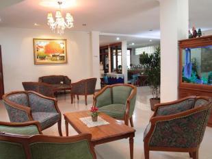 Griya Patria Guesthouse Hotel Di Kemang Selatan JakartaTarif