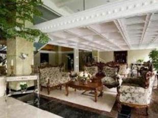Amos Cozy Hotel - hotel di Jakarta