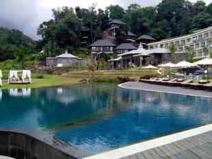 Royal Tulip Saranam Resort And Spa