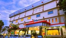 Rocky Plaza - hotel Padang
