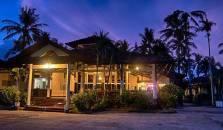 Kuta Indah Hotel & Restaurant - hotel Lombok