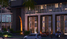 Harris Hotel & Residences Sunset Road - hotel Kuta