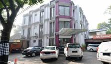 ZEN Rooms Riau Natuna - hotel Bandung