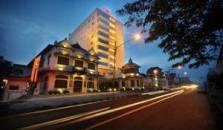 Gino Feruci Kebon jati Bandung - hotel Bandung Train Station