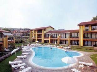 LE TERRAZZE SUL LAGO Hotel in Desenzano Del Garda, Lombardy, Cheap ...