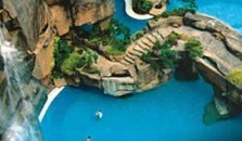 Pyramid Tower of Sunway Lagoon Resort Hotel - hotel Kuala Lumpur