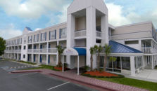 BAYMONT INN AND SUITES WILMINGTON - hotel Wilmington