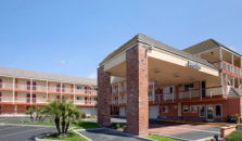 DAYS INN & SUITES FOUNTAIN VALLEY/HUNTINGTON BEACH - hotel Fountain Valley