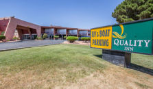 QUALITY INN AT LAKE POWELL - hotel Page