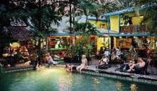 Calypso Inn Backpackers Resort - hotel Cairns