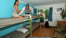 Njoy Backpackers Hostel - hotel Cairns