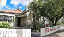 Bowen Terrace Accommodation - hotel Brisbane