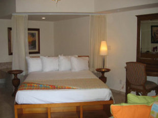 Ritz Beach Resort Bahamas Hotel
