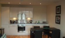Meridian Terrace Serviced Apartments - hotel Cardiff