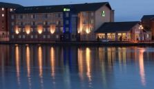 HOLIDAY INN EXPRESS CARDIFF BAY - hotel Cardiff