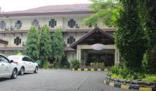 Mega Matra Hotel and Restaurant - hotel Timur