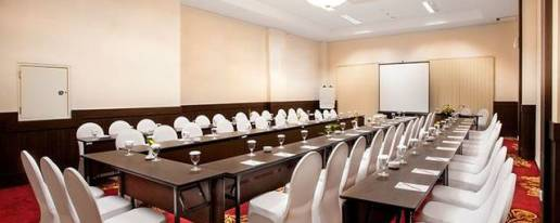 Days Hotel And Suites Jakarta Airport Hotel In Tangerang Banten Cheap Hotel Price