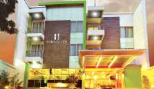 Bamboo Inn Hotel & Cafe - hotel West