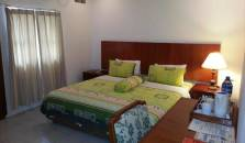 Smiling Hill Guest House and Apartments - hotel Batam