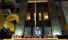 Riez Palace - hotel Tegal