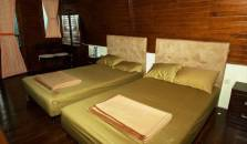 Lojiwood Beach Cottages - hotel Pelabuhan Ratu