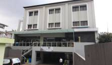 J Residence Guesthouse and Hostel Bandung - hotel Ciumbuleuit