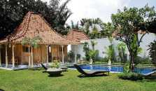 Villa With 3 Bedrooms in Kabupaten Badung, With Private Pool, Enclosed Garden and Wifi - 1 km From the Beach - hotel Kerobokan