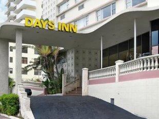 Days Inn Oceanside Miami Hotel