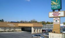 QUALITY INN FINGER LAKES REGIO - hotel Newark