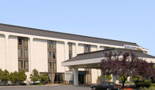 BAYMONT INN AND SUITES COLUMBU - hotel Columbus