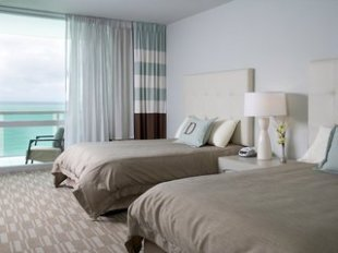 Deauville Beach Resort Miami Hotel