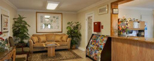 Howard Johnson Escondido Ca Hotel In Escondido California Cheap