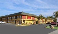Econo Lodge  Inn & Suites I-5 at Rt. 58 - hotel Bakersfield