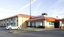 QUALITY INN & SUITES KANSAS CITY I-435N NEAR SPORTS COMPLEX - hotel Kansas City