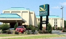QUALITY INN & SUITES LITTLE ROCK - hotel Little Rock