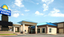 DAYS INN AND SUITES MOLINE AIRPORT - hotel Moline