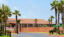 Super 8 South Padre Island - hotel Brownsville