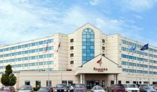 RAMADA PLAZA SUITES AND CONFERENCE CENTER - hotel Fargo