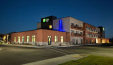 HOLIDAY INN EXPRESS & SUITES POCATELLO - hotel Pocatello