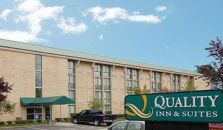 QUALITY INN & SUITES - hotel Everett