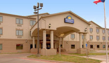 DAYS INN AND SUITES - WICHITA FALLS - hotel Wichita Falls